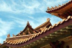 Tejado de teja de la terracota Fotos de archivo libres de regalías