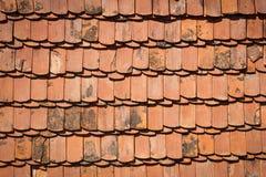Tejado de tejas para el fondo Imagenes de archivo