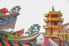Tejado del dragón con el fondo del buddhism Fotografía de archivo libre de regalías