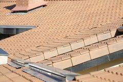 Tejado del edificio residencial Foto de archivo libre de regalías