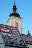 Tejado del mosaico de la iglesia de St Mark en Zagreb, Croacia Foto de archivo libre de regalías