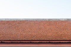 Tejado del templo de Tailandia con el cielo Foto de archivo libre de regalías