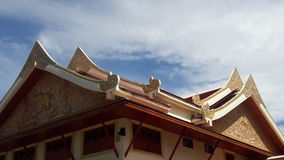 Tejado del templo en Tailandia WatPradhatchohar Fotografía de archivo