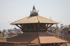 Tejado del templo hindú en Patan, Nepal Foto de archivo libre de regalías