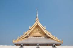Tejado del templo, templo del público de Tailandia Foto de archivo libre de regalías