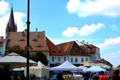 Tejado observado en Sibiu, capital europea de la cultura por el año 2007 Fotografía de archivo libre de regalías