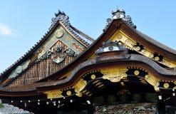Tejado, palacio de Ninomaru, castillo de Nijo, Kyoto, Japón, detalle Foto de archivo