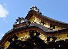 Tejado, palacio de Ninomaru, castillo de Nijo, Kyoto, Japón, detalle Fotografía de archivo