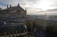 Tejado parisiense fotografía de archivo libre de regalías