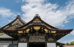 Tejados adornados del castillo de Nijo en Kyoto Imagen de archivo