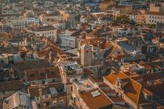 Tejados de la ciudad en Dalmacia fotos de archivo libres de regalías