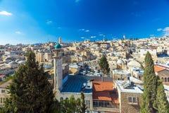 Tejados de la ciudad vieja con la bóveda de la iglesia de Santo Sepulcro, Jerusalén Fotos de archivo libres de regalías