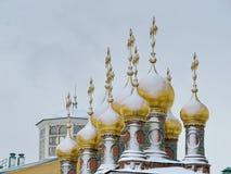 Tejados de oro del Kremlin Foto de archivo libre de regalías
