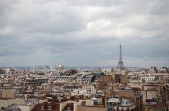 Tejados de París imagenes de archivo