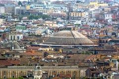 Tejados de Roma y de la bóveda del panteón fotos de archivo libres de regalías