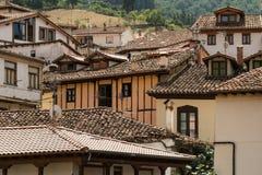 Tejados del pueblo de Potes, España Fotos de archivo