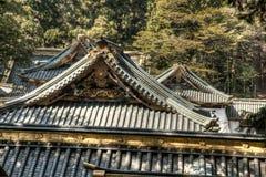 Tejados del templo japonés en Nikko Japón imagenes de archivo