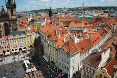 Tejados en Praga en brillante Fotos de archivo