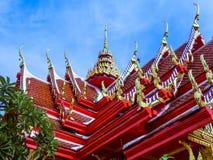 Tejados llanos multi de la arquitectura antigua tailandesa Imagen de archivo
