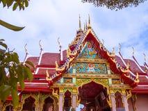 Tejados llanos multi de la arquitectura antigua tailandesa Fotos de archivo