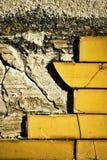 Tejas dañadas de la pared Foto de archivo