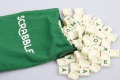 Tejas de la letra del Scrabble Imágenes de archivo libres de regalías