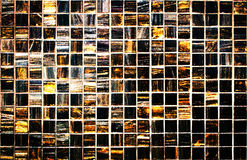 Tejas de la textura de la pared del templo tailandés Aún vida oscura Fotos de archivo libres de regalías