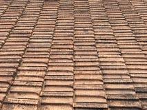Tejas de tejado antiguas para el fondo Foto de archivo libre de regalías