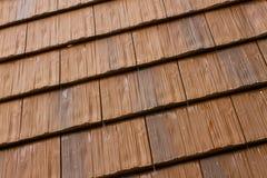 Tejas de tejado de madera Fotos de archivo libres de regalías