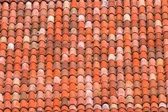Tejas de tejado de una casa italiana en Bolonia Fotos de archivo