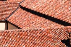 Tejas de tejado de una casa italiana en Bolonia Imagen de archivo