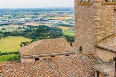 Tejas de tejado en el campo de Romagna en Italia Imagenes de archivo