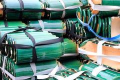Tejas de tejado esmaltadas verde Imagenes de archivo
