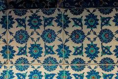 Tejas turcas hechas a mano antiguas del otomano fotografía de archivo libre de regalías