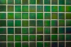 Tejas verdes de la pared como imagen de fondo Foto de archivo libre de regalías