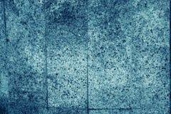 Tejas verticales del fondo de piedra de la roca ígnea abigarrada del granito azul usada para los worktops etc de la cocina Imagen de archivo