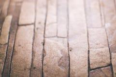 Tejas viejas de Brown con el fondo borroso Fotografía de archivo