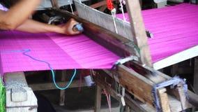 Tejedor tailandés almacen de metraje de vídeo