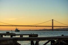 tejo桥梁看法在里斯本 图库摄影