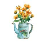 Tekanna för tappningblåttmetall med jordgubbemodellen och buketten av gula blommor Royaltyfri Bild