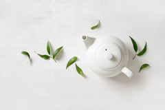 Tekanna med te, sikt från över Royaltyfria Bilder