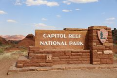 Teken bij de Ingang aan het Nationale Park van de Capitoolertsader Stock Fotografie