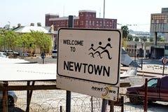 Teken bij de ingang aan Newtown in Johannesburg Stock Afbeelding