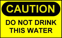 Teken: Caution Do Not Drink Dit Water Stock Foto's