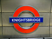 Teken Londen van de Post van Knightsbridge het Ondergrondse Stock Fotografie
