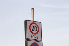 Teken maximumsnelheid 20 Stock Afbeeldingen