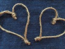 Teken twee harten van streng in denim Royalty-vrije Stock Fotografie