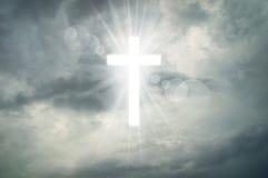 Teken van Geloof Gloeiend heilig kruis Stock Foto