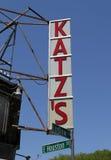 Teken voor de historische Delicatessen van Katz ` s Stock Foto's