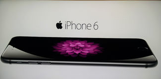 Tekens die Apple-iPhone 6 in Thailand adverteren Royalty-vrije Stock Foto